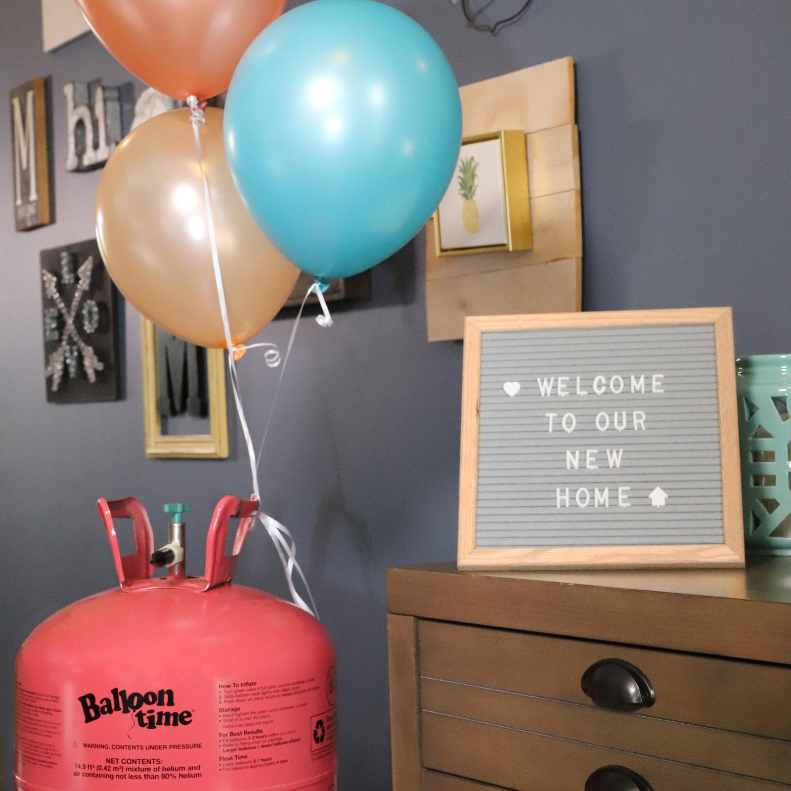New home celebration decorations